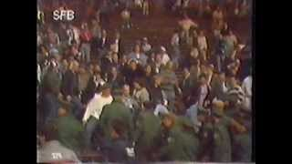 Repeat youtube video 1989-06-03 | Hertha BSC - 1. FC Saarbrücken 1:2 | Randale