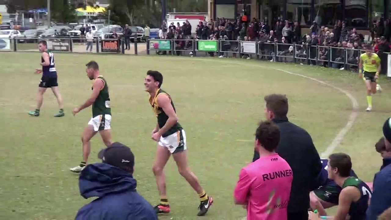 Rd 5   St Marys vs Leopold Throw In