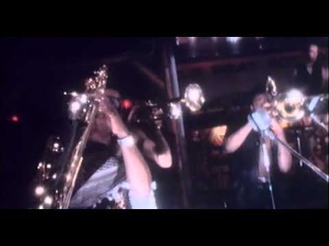 Spandau Ballet - Chant No 1 (I Don't Need This Pressure On)