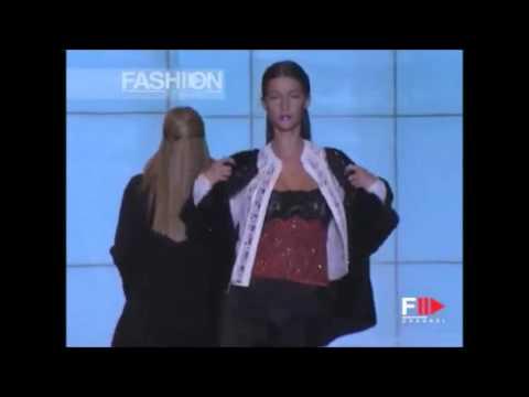 Gisele Bundchen   Valentino Fall Winter 1999 Couture