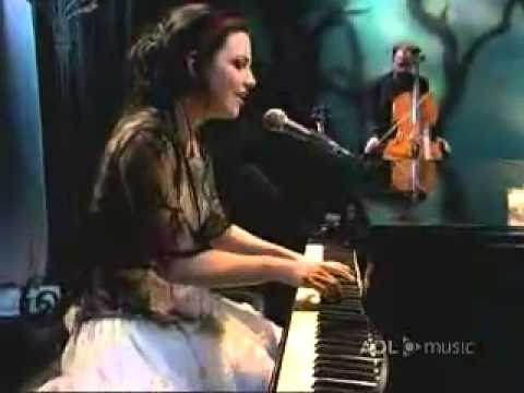 Evanescence- Good Enough [Live @ AOL Music Sessions 2006]