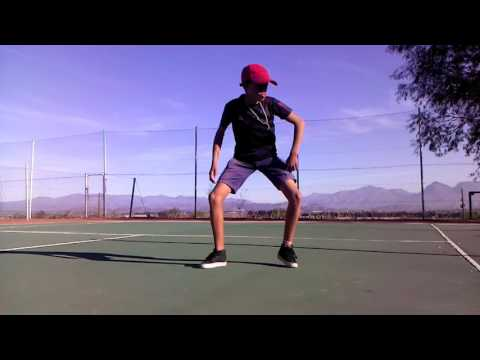 South African teen bothers dancing - kwaito