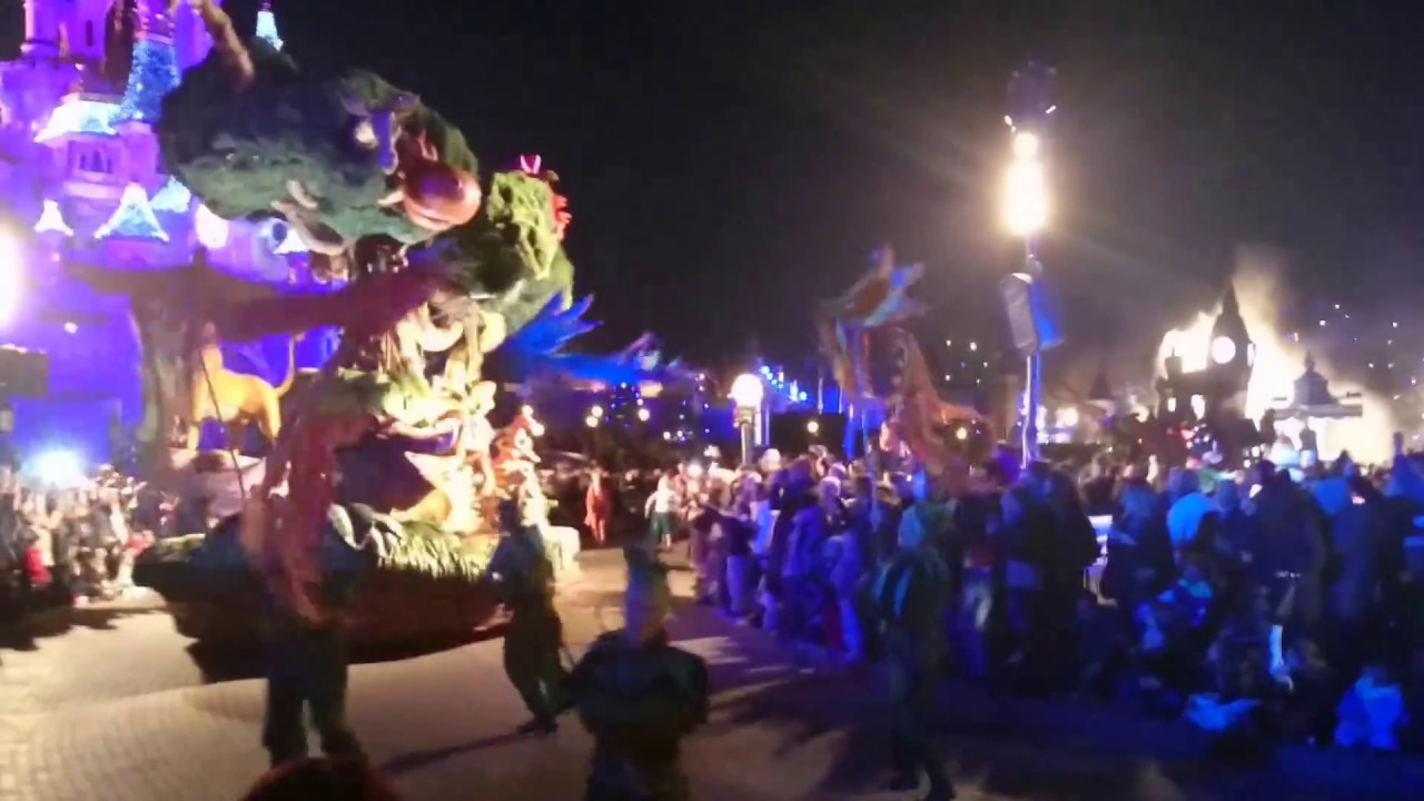 Disneyland Paris La Parade Disney De Nuit Le Roi Lion Le Livre De La Jungle 02 12 15 Hd