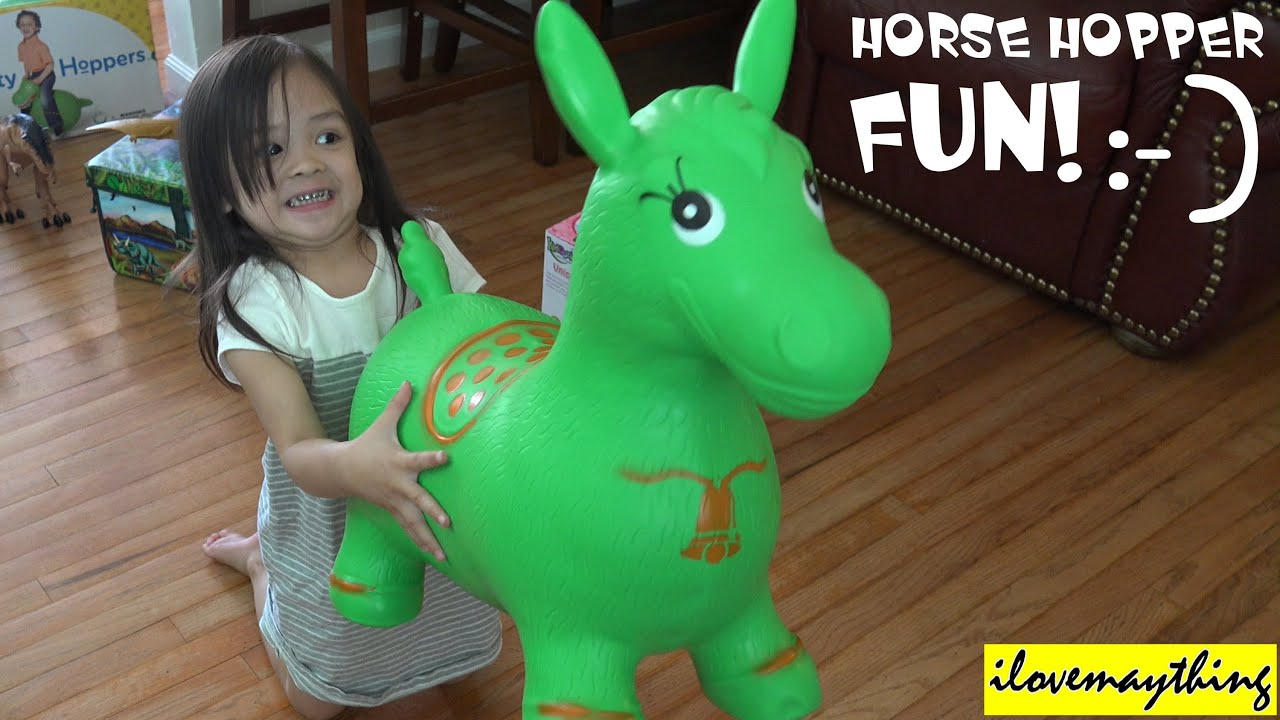 Cool toys for kids playing a horse hopper with hulyan for Coole hochbetten fa r teenager