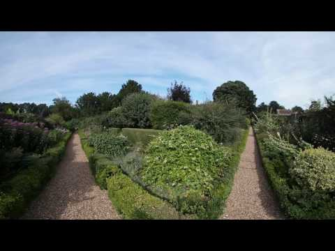 4  Hockwold Hall Landscaped Gardens
