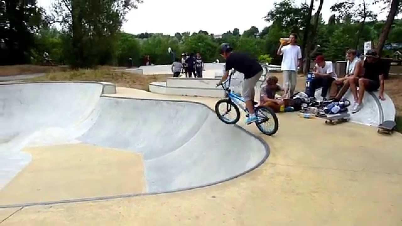 Tom aux commandes Bmx skatepark Bois Le Roi  YouTube ~ Skatepark Bois Le Roi