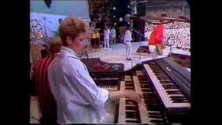 The Style Council - Big Boss Groove (BBC - Live Aid 7/13/1985)