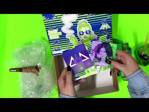 Unboxing | Chanel West Coast X Daily High Club September Box