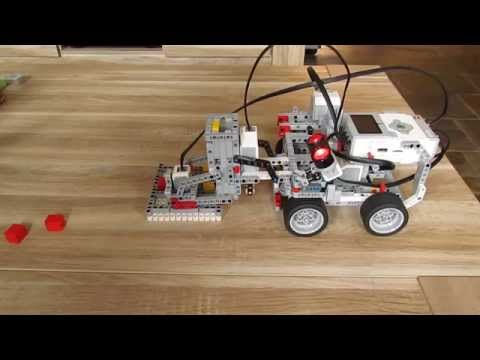 Intelligent Tic-Tac-Toe robot build with Lego Mindtorms EV3