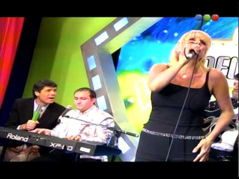 "Valeria Lynch canta en vivo ""Ámame en cámara lenta"" - Videomatch 99"