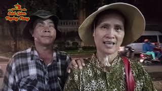 Đắng lòng Vợ dắt Chồng mù từ Phú Yên vào Sài Gòn bán vé số!