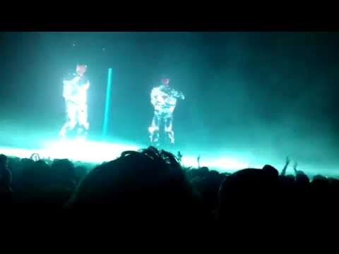 The Chemical Brothers Part 1 (First 20 min) - Hey Boy Hey Girl/Go @ The Armory HARD SF [1080P]