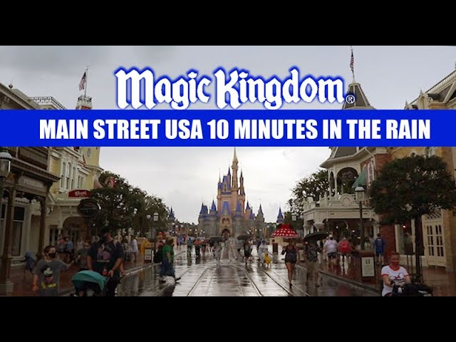 Walt Disney World 10 Minutes on Main Street USA Magic Kingdom Labor Day Weekend In The Rain 💧☂