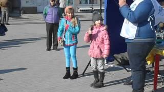 Сумчане отметили день рождения Кобзаря (Стихи от девочек) 09.03.2015