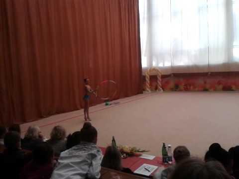 Шикарное выступление с обручем. Художественная гимнастика - YouTube
