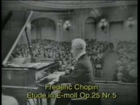 Artur Rubinstein plays Chopin's Etudes (Moscow, 1 Oct 1964)