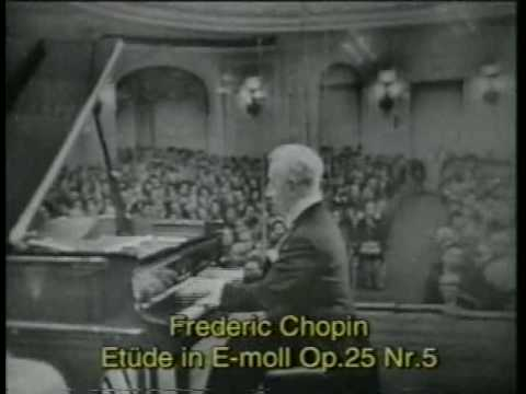 Artur Rubinstein plays Chopin's Etudes (Moscow, 1 Oct 1964)