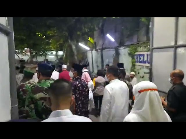 SURABAYA - MALAM TAKBIR WALIKOTA SURABAYA ZIARAH MAKAM SUNAN AMPEL