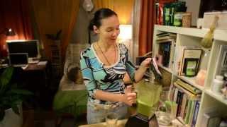 Как Приготовить Зеленый Коктейль - 4 Шаг к Здоровью и Красоте(http://dancewithlivingfood.com/5-retseptov-krasoti В этом видео вы узнаете как приготовить Зеленый Коктейль за 3 минуты - 4 Шаг к..., 2013-10-15T20:55:44.000Z)