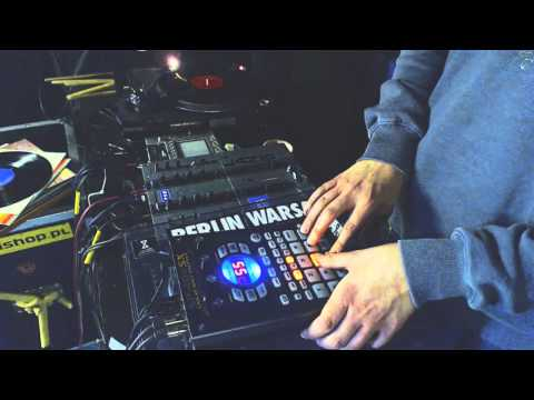 Beatmaking & Sampling on Roland SP-404SX by urb