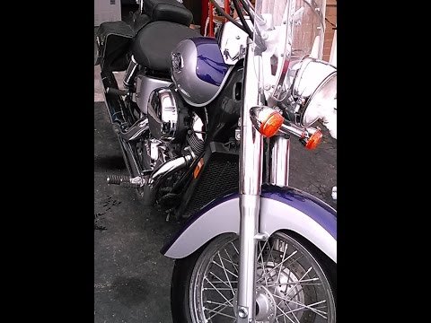 How to do an oil change on a motorcycle: Honda Shadow 750
