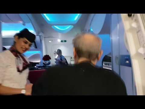 Qatar Airways Business Class Boeing 787 Doha Hanoi