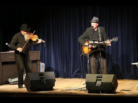 Eric Andersen performs