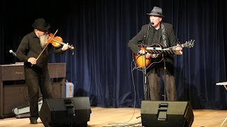 "Eric Andersen performs ""Thirsty Boots"" at UNE in Tangier, Morocco"