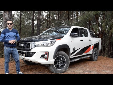 Review TOYOTA Hilux GR-S Ganzoo Racing Sport