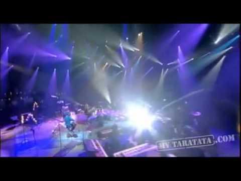 Avril Lavigne - Tik Tok premiere Live