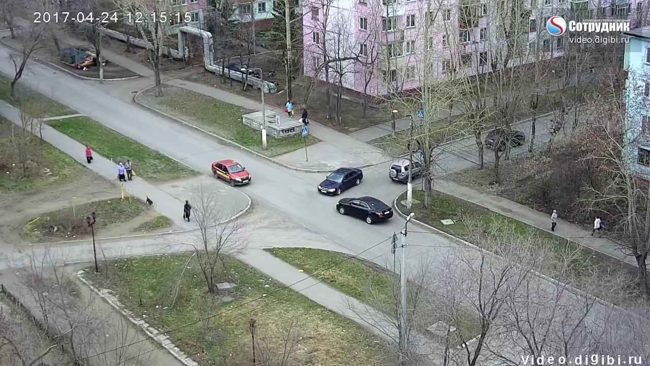 ДТП Бийск на перекрестке ул. Декабристов - Ломоносова  24.04.2017