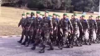 Монгол дуу дуулж буй франц цэргүүд