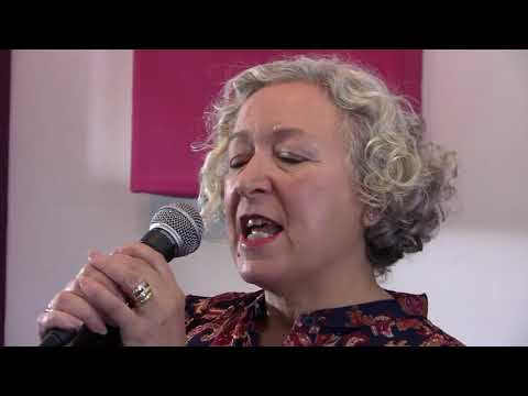 Evelyn Laurie Keep Your Eyes On Paisley Mp3