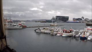 Downtown Reykjavik Iceland, bus City Tour