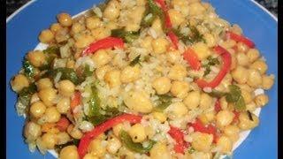 Garbanzos con arroz y verduras. (Paso a paso) Ingredientes: Garbanzos, Arroz, 1 Cebolla, 1 Pimiento Verde y medio Pimiento Rojo, 3 Dientes de Ajo y Perejil, ...