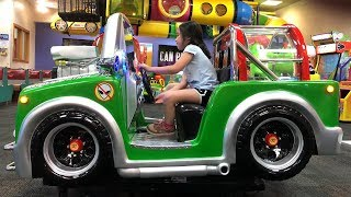 Wheels on the Bus 2019 | CHUCK E CHEESE Family Fun Indoor Activities for Kids