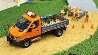 ROAD CONSTRUCTION toys | Bruder Mercedes-Benz Sprinter municipal 2018 NEWS | Kids video