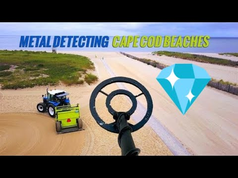 METAL DETECTECTING, CAPE COD BEACHES - WAIT UNTIL YOU SEE WHAT WE DUG UP