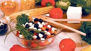 Салат с брынзой греческий