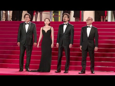 Director NA HongJin and the cast of The Strangers on the red carpet in Cannes