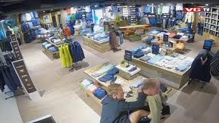 Mads Hansen og Erik Follestad slåss i butikken