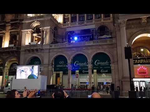Liam Gallagher Wonderwall Live In Terrazza Duomo 21