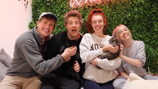 VLOG SQUAD VISITS THE CAT CAFE!!