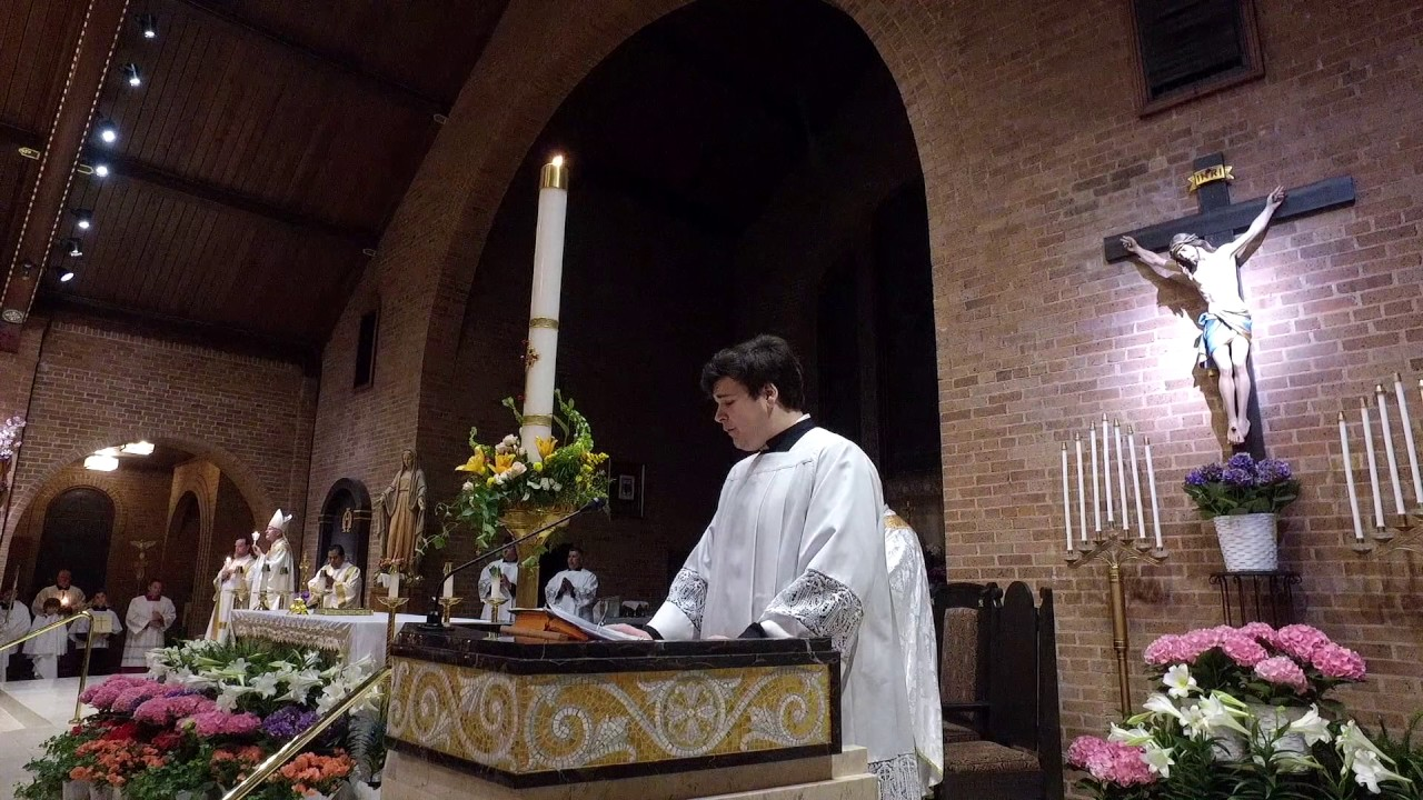 Exsultet: The Proclamation of Easter (Easter Vigil 2017)
