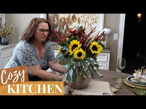 COZY FALL KITCHEN | DECORATE WITH ME FOR FALL | FALL TABLESCAPE