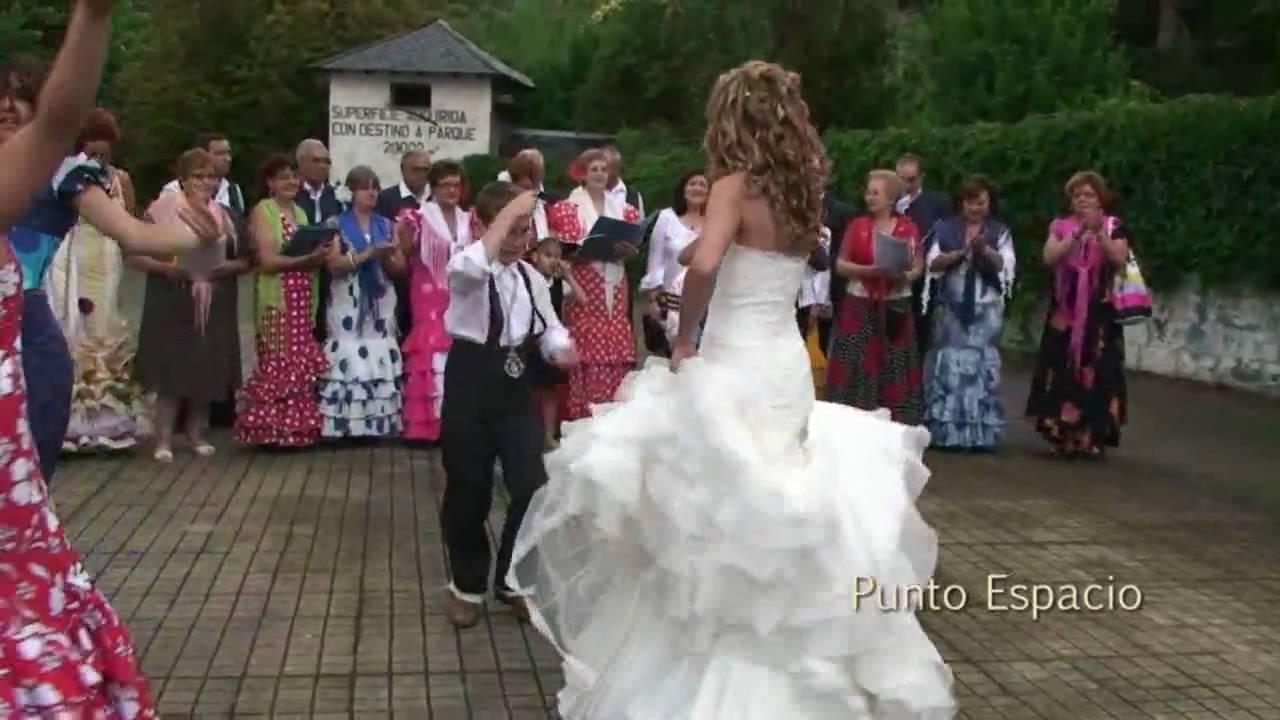El vdeo de un novio bailando en su boda a ritmo de
