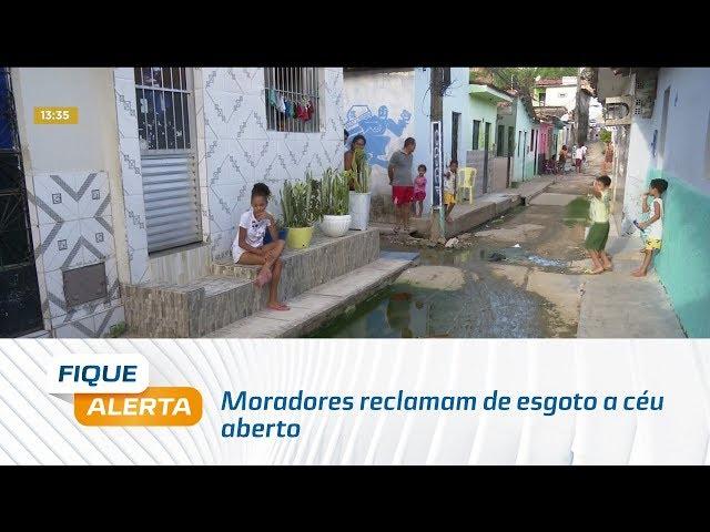 Moradores reclamam de esgoto a céu aberto em ruas do Bom Parto