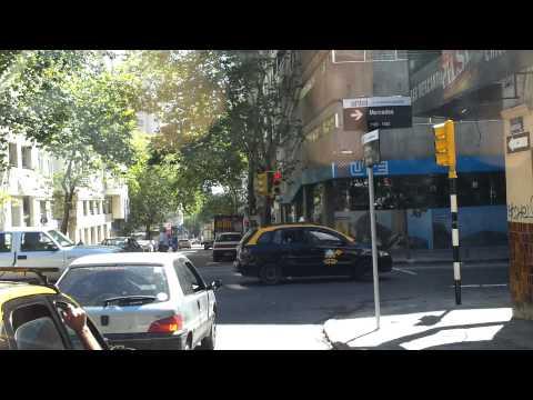 Montevideo, Recorrido por calle Mercedes