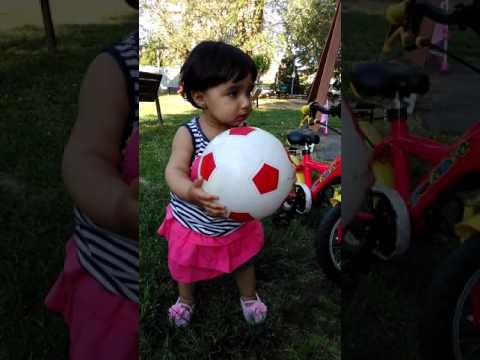 Choti pari zee playing in park