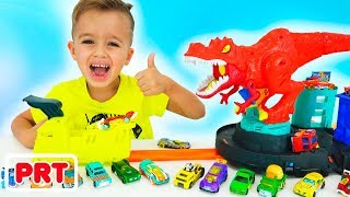 Vlad e Nikita brincam com a Toy Cars Hot Wheels City